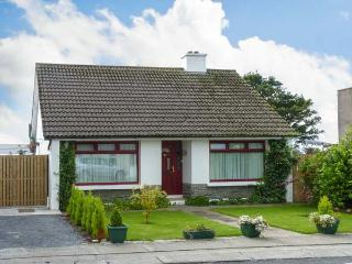 THE BUNGALOW, family friendly, character holiday cottage, with a garden in Miltown Malbay, County Clare, Ref 12946