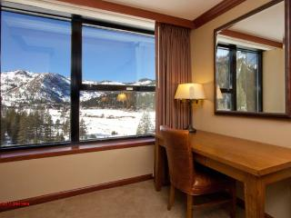 Resort at Squaw Creek Studio #806