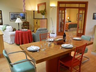 Plaza Courtyard Stay Handicapped Accessible 1 BDR, Arcata