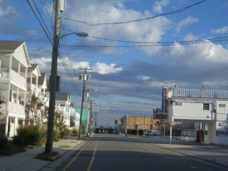 Only August 25-27 left for $600 sleeps 9, Wildwood