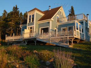 Stunning Secluded Oceanfront Island Home Near Lunenburg! Car-Accessible.