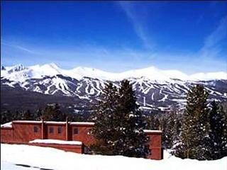 Relaxing Mountain Condo - Great Mountain Views (7001), Breckenridge