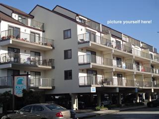 2 LVL, 3 BR Condo w/ Pool. 1 Block to Ocean Beach!, Ocean City