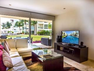 Garden House 10 - Upscale and Modern 2 bedroom at The Elements, Playa del Carmen