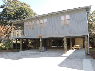 Guest Cottage #62 Perfect for Families, Large with Covered Parking Under, Myrtle Beach