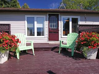 Howdenvale Hilton cottage (#694), Sauble Beach