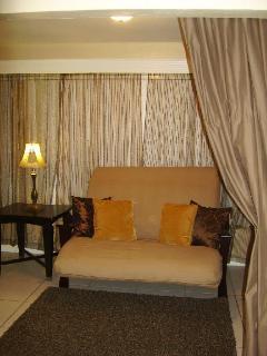 Sunroom - Converts to sleeping room for 2 on Futon