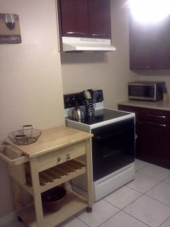 Mobile island/chopping block, Microwave, Toaster oven, Coffee Maker & cooking,baking & dining access