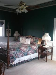guest suite/king bed/ $230/per night