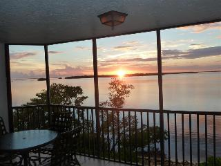 Bay View Tower #232 - Sanibel Harbour Resort, Fort Myers