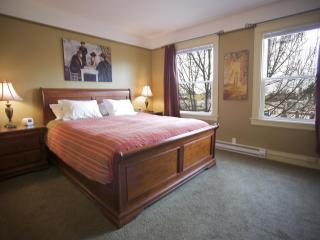 St. John's Apartments #309- 2 Bedrooms, 2 Baths, Seattle