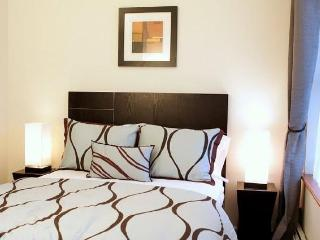 #5W - Spacious & in the Heart of Hell's Kitchen!, Nova York
