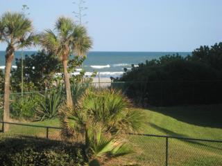 Special Offer Steps from Beach **2 BR, 2 Bath **, Cocoa Beach