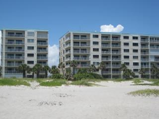 Just a Few Steps from Beach **2 BR, 2 Bath **