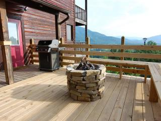 Semi Secluded,30 Mile View,Theater Rm, Gas Firepit, Pigeon Forge