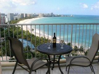 Isla Verde Beach Full Ocean View, Beach Front WIFI Free Parking