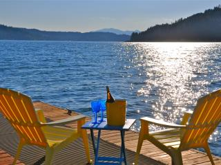 Hood Canal Jewel/ Carriage House w/ Brillant View, Union