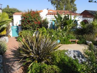 Luxury Santa Monica 3 bed/3bath Spanish Home, Santa Mônica