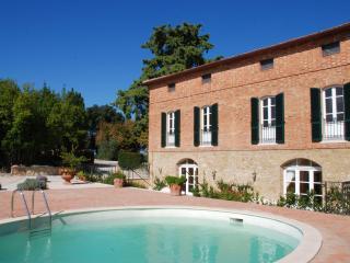 Villa Oliveto, Castelmuzio