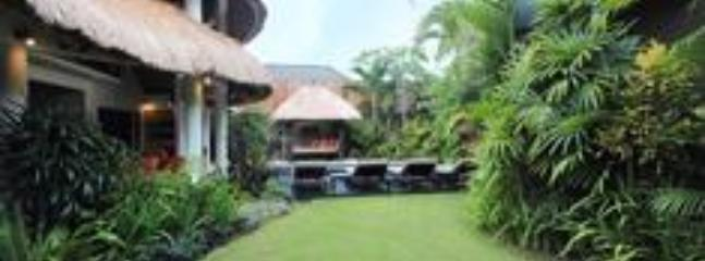 Abadi 2 Tropical Garden