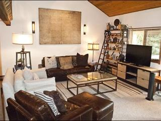 Modern Comfort & Great Amenities - Completely Remodeled (1052), Sun Valley