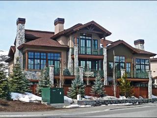 Luxury Townhome - Perfect for a Family Reunion or Large Group (1098), Sun Valley