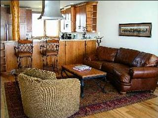 Old World Class, New World Finesse - Stunning Furnishings  (1021), Crested Butte