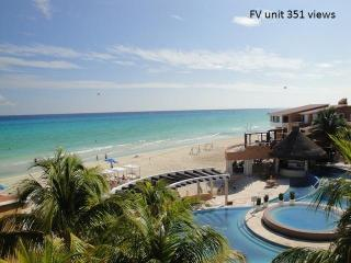 Million-dollar view penthouse beachfront- Playacar