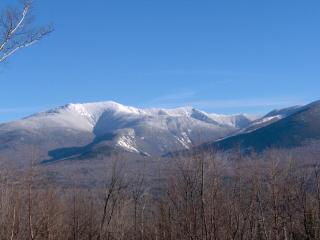 Franconia Notch Retreat, Huge Views, Hot Tub, A/C. 4 BR, optional apartment