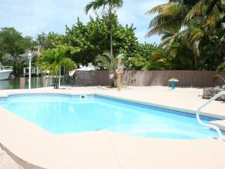Breezy Palms, single family with a pool!,  #120, Key Colony Beach