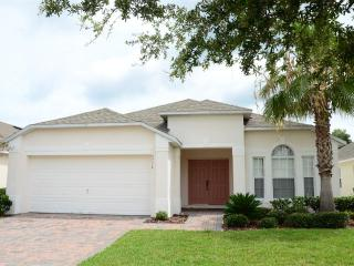 Executive Home with Private Pool at Cumbrian Lakes, Kissimmee