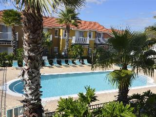 LAKE BERKLEY-(975PT) - 4BR 3.5BA Townhome 2 Master KING suites, gated Resort, Kissimmee