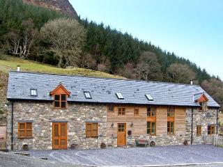 Y SGUBOR, pet friendly, luxury holiday cottage, with a garden in Llangynog, Ref 7058