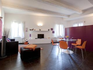 Open Studio Apartment in Florence by Duomo
