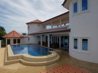 Sa'Wan Villa - Luxury 4 Bedroom Self Catering Vill, Hua Hin