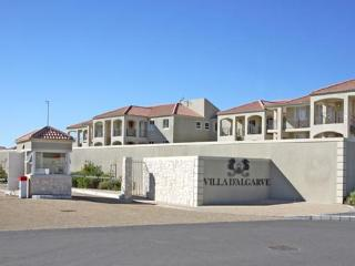 Villa D'Algarve, 3 Bedroom Apartment in Cape Town