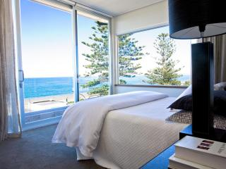 2 Bedroom Luxury Penthouse in the Heart of Napier