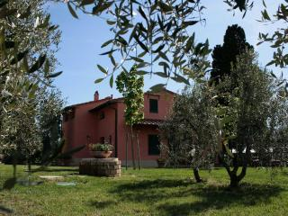 Villa on the hill , absolute peace and privacy, Vinci