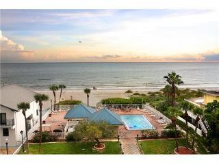 Gulf Beach Front w/ Beautiful Sunset Views, Redington Shores