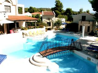 Villa Pefki - Apartment 4