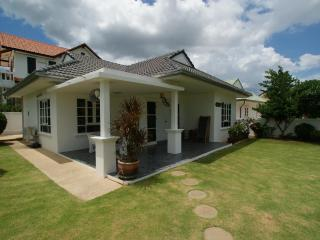 Greenacres Villa- Beautiful 3 Bedroom Villa, Hua Hin