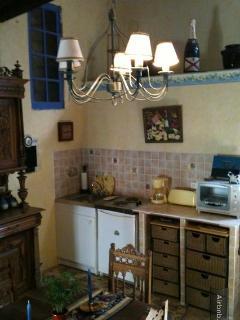Les Roses kitchen area