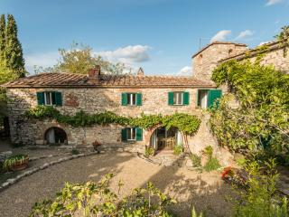 Chianti Classico Farmhouse with Stunning Views - Casa Romina, Radda in Chianti