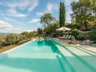 Chianti Classico Farmhouse with Stunning Views - Casa Romina