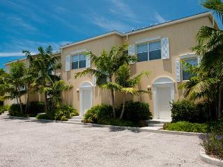 Grace Bay Townhomes - Drive up!