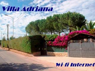 Villa Adriana 300 meters far from the sea -Wi-fi Internet
