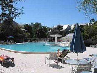 3 BR 3BA condo in Beach/Tennis Resort in Destin FL