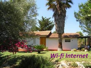 Casetta Giuliana -ideal for couple 300 meters away from the sea- Wi-fi Internet