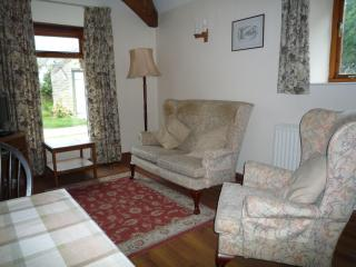 Tupenny Cottage Sleeps 3, Poole Keynes