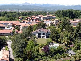 Vergante Estate holiday vacation large villa rental italy, lake district, italian lakes region, lake maggiore, lake orta, holiday vacati, Gattico